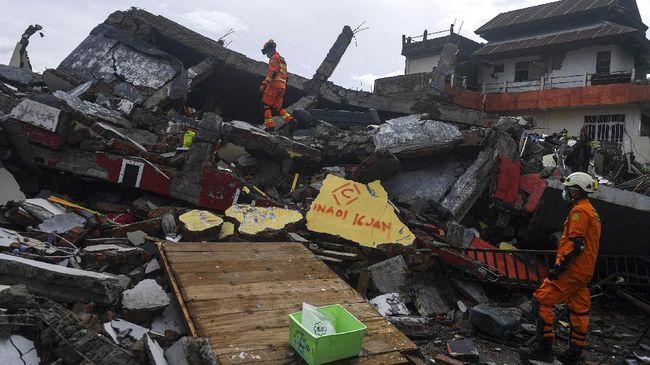 BMKG menyampaikan terdapat 42 gempa terjadi dalam sepekan di Mamuju dan Majene, Sulawesi Barat, diduga akan berlanjut hingga 3-4 minggu ke depan.