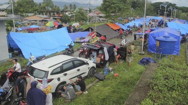 Antisipasi Penjarahan, Polisi Kawal Bantuan Gempa Sulbar