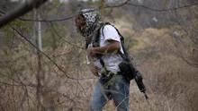FOTO : Wanita Meksiko Angkat Senjata Lindungi Keluarga