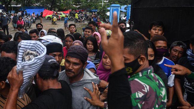 Banjir Kalimantan Selatan, gempa bumi Sulbar, insiden Sriwijaya Air SJ 182 dan lonjakan Covid pada awal 2021 menyebabkan hampir 4.000 orang tewas.