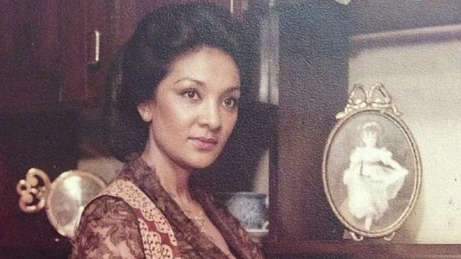 Kronologi Farida Pasha 'Mak Lampir' Meninggal karena Covid-19