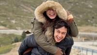 <p>Setelah mengikat janji suci, pasangan yang sebelumnya berpacaran selama 7 tahun ini bertolak ke Turki untuk honeymoon alias berbulan madu. (Foto: Instagram @hitocaesar)</p>