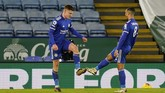 Leicester City menggeser Liverpool di klasemen Liga Inggris usai menang 2-0 atas Southampton di Stadion King Power, Minggu (17/1) dini hari WIB.