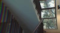 <p>Ternyata rumah tersebut bukan bangunan baru, Bunda. Meski begitu, ia merombak total interior sesuai keinginannya dan Aurel.(Foto: YouTube: Atta Halilintar)</p>