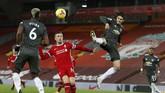 Laga Liverpool vs Manchester United, Senin (18/1) dini hari, berlangsung tanpa gol dan memastikan The Red Devils bertahan di puncak klasemen Liga Inggris.