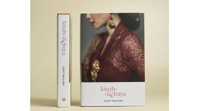 Desainer Didiet Maulana memperkenalkan buku Kisah Kebaya bertepatan dengan hari ulang tahunnya, Senin (18/1).
