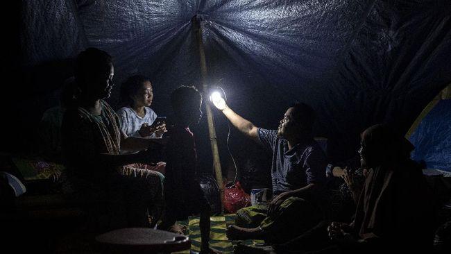 Warga Kecamatan Malunda, yang terdampak gempa Sulbar mengeluhkan bantuan minim lantaran mayoritas diberikan ke Mamuju.