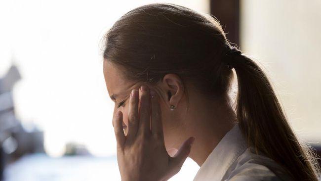 Sakit kepala bisa terjadi pada siapa saja dan kapan saja. Hanya saja jangan buru-buru langsung minum obat warung sembarangan.