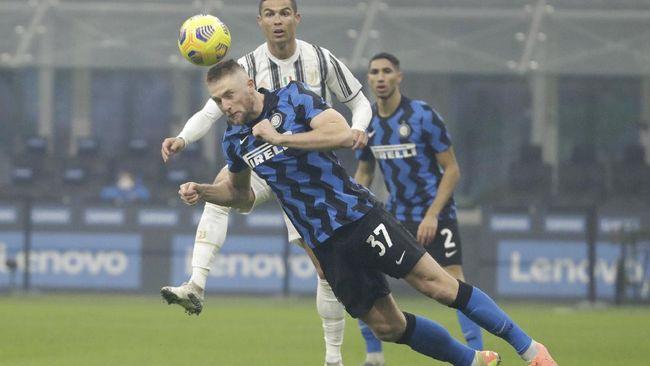 Inter Milan berhasil membekuk Juventus 2-0 dalam lanjutan Liga Italia. Dua gol kemenangan Inter diciptakan Arturo Vidal dan Nicolo Barella.