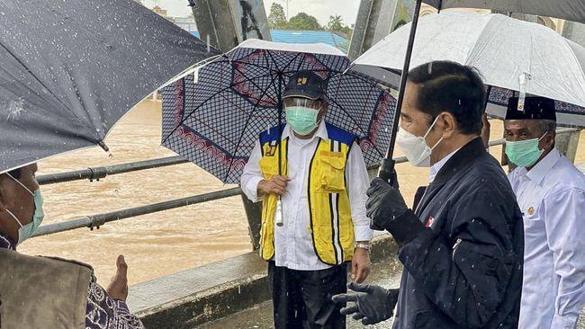 Presiden Jokowi memberi tenggat waktu selama empat hari untuk perbaikan jembatan Mataraman yang roboh karena banjir Kalsel.
