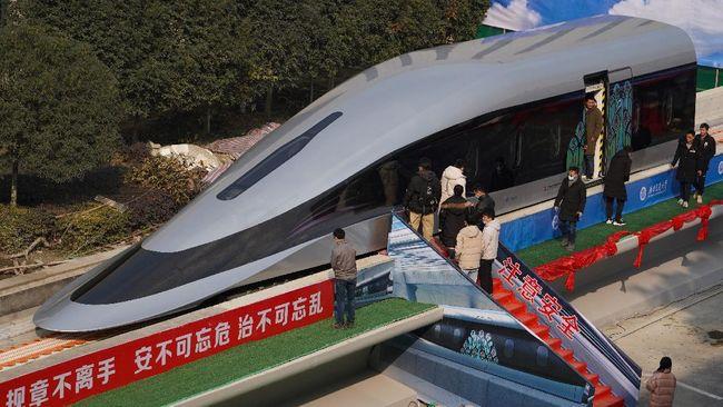 Kereta tercepat dunia, Maglev debut di di pesisir Kota Qingdao, Provinsi Shandong, Selasa (20/7).