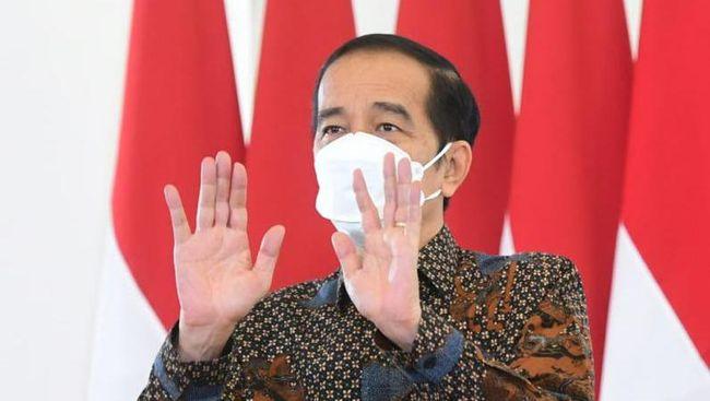 Muncul deklarasi relawan Jokowi-Prabowo untuk Pilpres 2024. Fadjorel Rachman mengingatkan bahwa Jokowi menolak wacana presiden tiga periode.