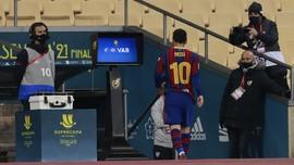 Koleksi Kartu Merah Messi Kalah Jauh dari Ronaldo