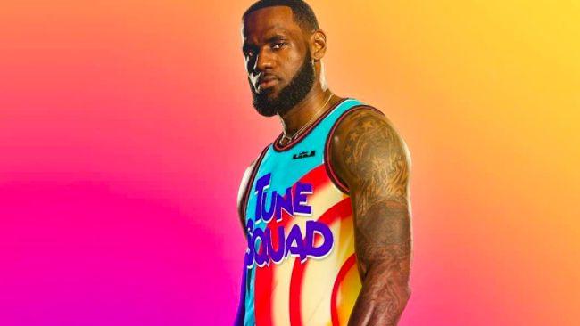 Pebasket LeBron James menjadi pemeran utama dalam film Space Jam terbaru. Di film pertama, tokoh utama diperankan oleh legenda basket NBA Michael Jordan.