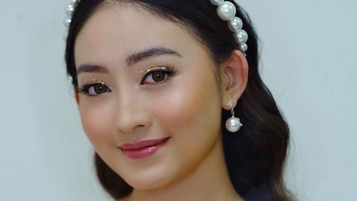 6 Gaya Makeup Flawless Natasha Wilona untuk Kondangan