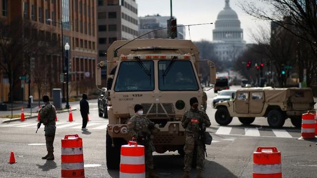 FOTO: AS Perketat Keamanan Jelang Pelantikan Biden