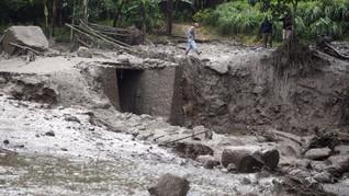Banjir Bandang Bogor Surut, Penghuni 10 Rumah Diungsikan