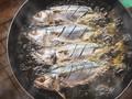 Cara Aman Menggoreng Ikan agar Tidak Kecipratan Minyak Panas