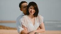 <p>Meskipun keduanya tampak jarang terlihat bersama saat berada di depan kamera,Laura Basuki suka memamerkan kemesraannya dengan suami di Instagram, seperti foto berikut.(Foto: Instagram @laurabas)</p>
