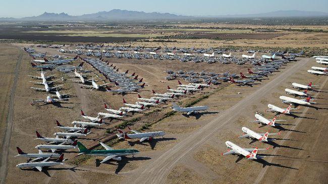 Pesawat yang tak lagi dipakai atau sedang tak beroperasi biasanya ditempatkan di tengah gurun pasir yang gersang dan gerah.