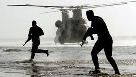 FOTO : Bertikai dengan AS, Militer Iran Asah Kemampuan