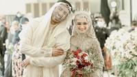 <p>Pernikahan Reza Zakarya dan Valda Alviana berlangsung pada Minggu (17/1/2021) di Purwokerto. Pasangan ini pun tampak sumringah setelah selesai ijab kabul dan resmi menjadi pasangan suami istri. (Foto: Instagram @reza_zakarya_daa)</p>