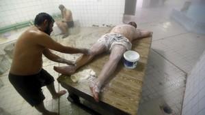 FOTO: Hangat dan Tenang 'Hammam', Mandi Uap Khas Timur Tengah