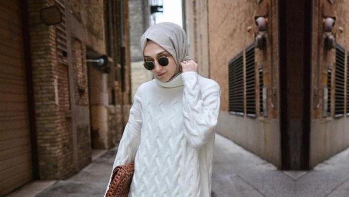 Sweater Buat Hijabers yang Anti Ribet, Cocok Buat Musim Gak Menentu Kayak Sekarang