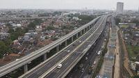 Ban Mobil Pecah Usai Gilas Lubang di Tol, Jangan Panik