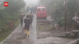 VIDEO: Tim SAR Dikerahkan Sisir Lokasi Banjir Bandang Puncak