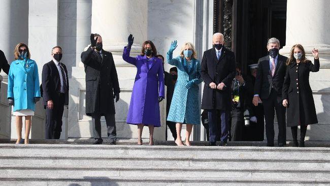 Sejumlah pejabat tinggi AS termasuk Barack Obama dan istrinya, Michelle hingga Bill dan Hillary Clinton tiba di upacara pelantikan Joe Biden-Kamala Harris.