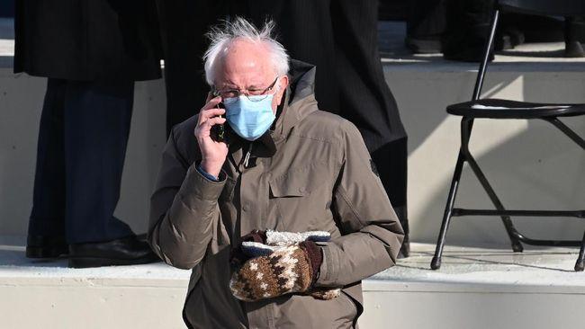 Para musisi beramai-ramai menyunting sampul album mereka dengan memasukkan foto Bernie Sanders di pelantikan Joe Biden yang menjadi perhatian warganet.