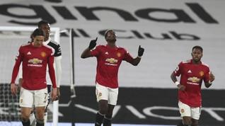 FOTO: Pogba Antar Man Utd Kembali ke Puncak Klasemen