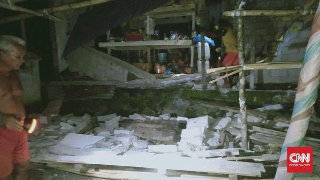 Gempa bumi berkekuatan magnitudo 7,1 di Talaud, Sulawesi Utara menimbulkan sejumlah kerusakan pada bangunan, termasuk sebuah rumah sakit.