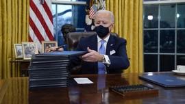 FOTO : Momen Joe Biden Berkantor di Gedung Putih