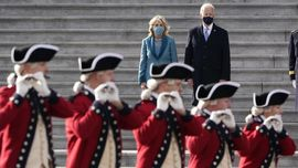 FOTO : Parade Marching Band Warnai Pelantikan Joe Biden