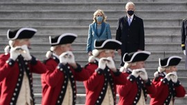 FOTO : Parade Marching Band Warnai Pelantikan Joe Biden
