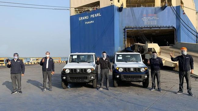Maruti Suzuki di India dilaporkan mengekspor Jimny tiga pintu dan akan menjual versi lima pintu untuk konsumen lokal.
