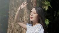 <p>Ana Riana, artis pemeran Rinjanidalam sinetron Tukang Ojek Pengkolan membagikan potret kehamilan pertamanya, Bunda.(Foto: Instagram @anariana27)</p>