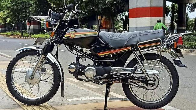Honda Win setia dengan Doel -yang diperankan Rano Karno, dalam sinetron 'Si Doel'. Honda Win cocok digunakan di semua jenis kontur jalan meski irit bensin.