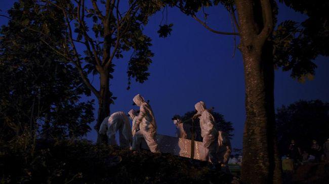 Sebanyak 17.100 petak makam tersebut disiapkan di TPU Rorotan, Bambu Apus, Srengseng Sawah, Tegal Alur, Pondok Gede hingga Kramat Tiga.
