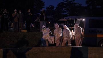 Sebanyak 196 makam di TPU Cikadut, Bandung, dibongkar dan dipindah atas permintaan ahli waris usai jenazah dipastikan negatif Covid-19.