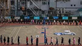 FOTO: China Gelar Tes Covid-19 Massal Jelang Imlek