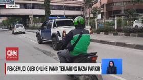 VIDEO: Pengemudi Ojek Online Panik Terjaring Razia Parkir