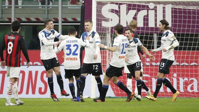 AC Milan tumbang di hadapan Atalanta dengan skor telak 0-3 dalam lanjutan Liga Italia di San Siro, Minggu (24/1) dini hari WIB.