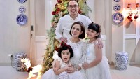 <p>Salut ya sama keluarga Astrid. Kita doakan semoga mereka selalu diberikan kesehatan dan kebahagiaan ya, Bunda. Aamiin.(Foto: Instagram @astridtiar127)</p>