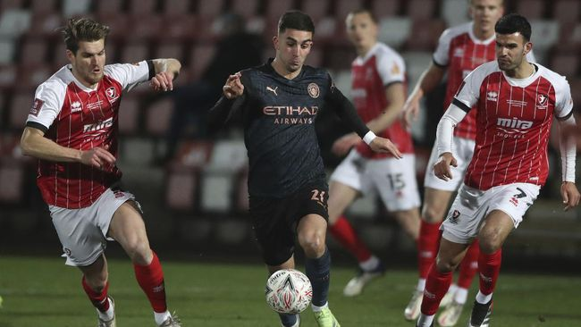 Manchester City berhasil mengalahkan Cheltenham Town di babak keempat Piala FA.