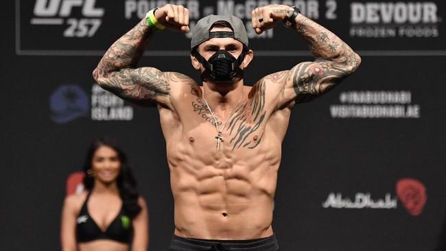 Serangan McGregor Terbaca di UFC 257, Poirier Hajar Kaki