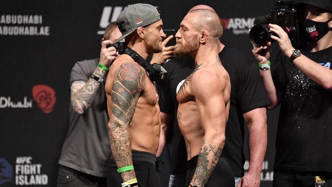 Conor McGregor vs Dustin Poirier jilid 2 di UFC akan berlangsung di UFC 257 siang ini. Berikut kronologi McGregor vs Poirier jilid kedua.