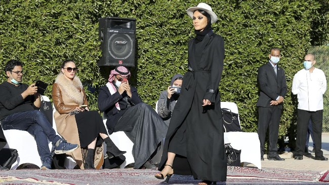 FOTO: Fashion Show Karya Putri Kerajaan Arab, Safia Hussain